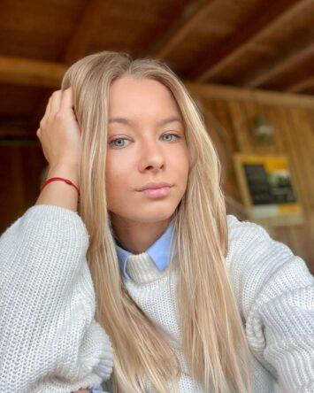 Violeta, 35